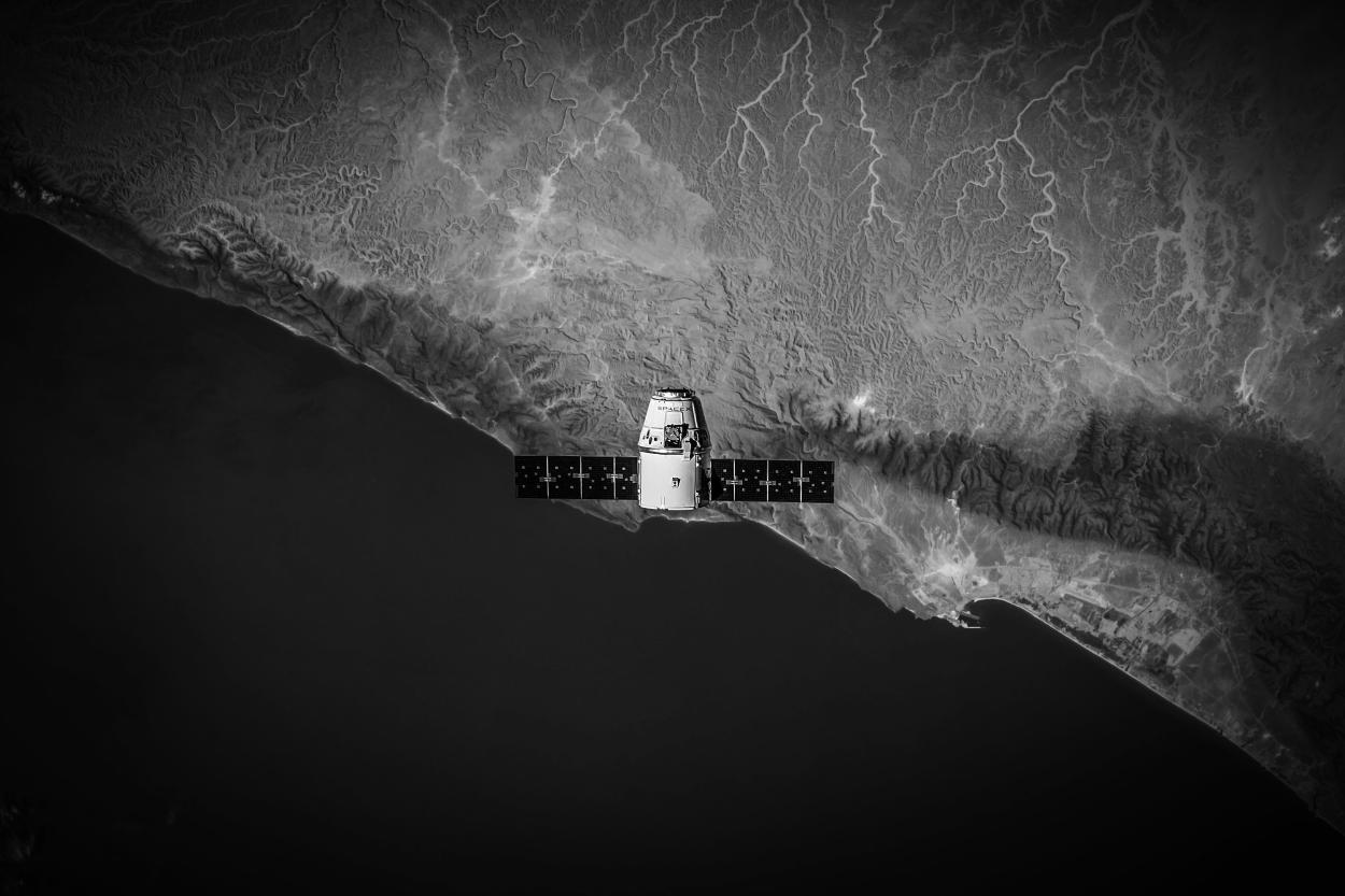 satelite bw